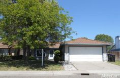 8181 Speilberg Way, Sacramento, CA 95828. 3 bed, 2 bath, $174,900. Spacious and Beautif...