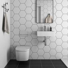 Klassisk svart/vit i modern utgåva.  Här är vår nyhet Miniworx Hexagon i 21x24 cm på vägg och klassisk svart platta i 30x30 cm på golv. #hoganaskakel #hoganaskakelcenter #hkc #vaggplatta #klinker #hexagontile #hexagon #badrumsdrömmar #inredning #badinspo #design #plattor #inspiration #köksinspo #cchöganäs #kakelglädje  #nordiskahem #scandinavianinterior #badrum #