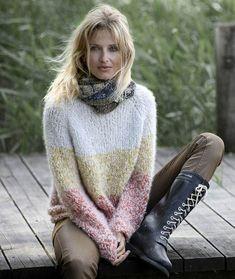 30 Free Crochet Sweater Patterns Together For You! - Page 7 of 32 - womenselegance. Vogue Knitting, Knitting Wool, Sweater Knitting Patterns, Knitting Designs, Boucle Yarn, Mohair Sweater, Knit Fashion, Sweaters For Women, Free Crochet