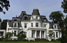 Das 1884 von Martin Haller erbaute Budge-Palais gehörte einem jüdischen Ehepaar. Die Nazis rissen es sich unter den Nagel. Seit 1956 sitzt hier die Musikhochschule.