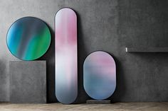 Mirror Oval Studio Roso Fritz Hansen The Mirror Oval designed by Studio Roso for Fritz Hansen has a lacquered mdf frame and printed reflective glass. Available in the ocean colour. Long Mirror, Oval Mirror, Mirror Art, Round Mirrors, Home Design, Interior Design Tips, Interior Decorating, Modern Interior, Interior Office