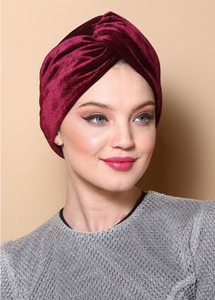 V-front turban made of red wne velvet. The turban is stretchy, light, and easy to wear! No tying involved, this turban is worn like a hat. Can be worn as a full or half head covering- tuck your hair in or leave it out! Turban Mode, Turban Hut, Hair Turban, Turban Hijab, Turban Style, Turban Headbands, Scarf Hairstyles, Down Hairstyles, Hair Cover