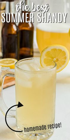Lemonade Beer is a refreshing summer shandy with a tangy combination of light beer and lemonade, and a shot of rum! #summer #cocktail Vegan Kitchen, Kitchen Recipes, Cooking Recipes, Meat Recipes, Drink Recipes, Summer Shandy, Summer Cocktails, Cocktail And Mocktail, Cocktail Recipes