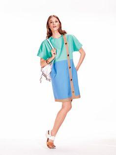 burda style, Schnittmuster - Sixties-Kleid mit kurzen Kimonoärmeln und durchgehender Knopfleiste. Nr. 107 B aus 06-2015 und zum Download. Foto: Sven Hedstrom