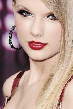 t… So Pretty Taylor Swift Hot Girl ♥ taylorswiftedit.t … So schön Taylor Swift Hot, Style Taylor Swift, Taylor Swift Makeup, Taylor Swift Music, Taylor Swift Wallpaper, Taylor Swift Pictures, Beautiful Celebrities, Famous Celebrities, Belle