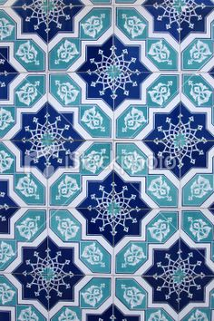 This tiles are perfect for house beautification's. Tile Patterns, Pattern Art, Textures Patterns, Geometric Patterns, Tile Art, Mosaic Tiles, Backsplash Tile, Inspiration Wand, Islamic Tiles