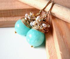 NUEVO bio - jade color encantadoras pendientes con calcedonia y perlas de agua dulce blanco