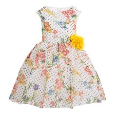 Your princess will certainly look like a diva when she dresses in this #beautiful #girl's #floral #dress. Get this party dress today at an #affordable #price! Little Girl Dresses, Girls Dresses, Summer Dresses, Floral Lace Dress, Flower Dresses, Casual Dresses, Fashion Dresses, Made Clothing, Lace Design