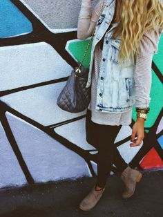 AmberliJahn: casual days/ love denim vests with big sweaters ::)