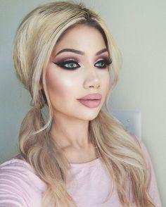 Eye Makeup Tips.Smokey Eye Makeup Tips - For a Catchy and Impressive Look Beauty Makeup Tips, Makeup Goals, Glam Makeup, Hair Makeup, Hair Beauty, Makeup Tricks, Makeup Ideas, Sexy Smokey Eye, Smokey Eye Makeup