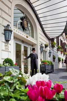 Dorchester Collection's Hotel Eden located in the Eternal City of Rome gives guests the ultimate Roman holiday.