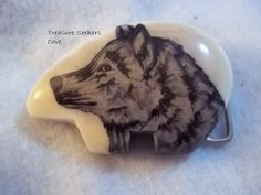 WOLF  Handcrafted Hand painted belt buckle Vintage  Very Good Condition  Vintage   Measures approx. 3 1/4 x 2 1/4  Please see all pictures. Ask any and all questions before bidding/purchasing. I am a reliable seller. I have been selling online for years. I was away from selling for a few years due to health reasons.  I am selling my sister-in-laws estate for the family. She was a HUGE NASA fan and had a close friend who worked there and could get her into many shuttle launches ...