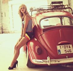 Aircooled Volkswagen Käfer and pretty girl Vw Volkswagen, Vw T1, Ferdinand Porsche, Kdf Wagen, Hot Vw, Girly Car, Vw Vintage, Beetle Car, Vw Cars