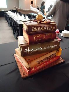 Such a great and creative idea for a Harry Potter wedding cake