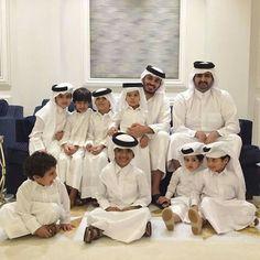 Jordan Royal Family, Egyptian Beauty, Arab Men, Handsome, Singer, History, Family Gatherings, Royals, Dubai