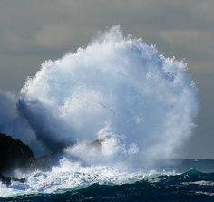 Detonating Wave Jervis Bay Australia