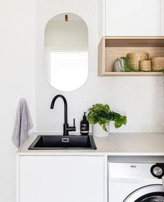 Small Laundry Rooms, Laundry In Bathroom, Decor Interior Design, Interior Decorating, Chaise Ikea, Bedside Table Design, Laundry Room Inspiration, Laundry Room Design, Bathroom Interior
