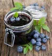 2 lb berries, c honey or Sucanat, 2 tsp sea… Kefir Recipes, Jam Recipes, Healthy Recipes, Probiotic Foods, Fermented Foods, Fermentation Recipes, Nourishing Traditions, Blueberry Jam, Homemade Salsa