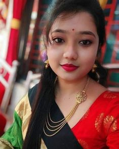 Insta Pictures, Girl Pictures, Cute Girl Face, India Beauty, Beauty Women, Cute Girls, Desi, Saree, Indian