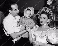 photo Judy Garland Vincent & Liza Minnelli behind the scenes MGM Studios 899-22