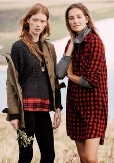 madewell home-for-the-holidays outfit idea: flannel latitude shirtdress worn with the wafflestitch turtleneck + madewell brimfield jacket worn with the hexcomb texture sweater, skinny skinny jeans + willowfringe necklace. #giftwell