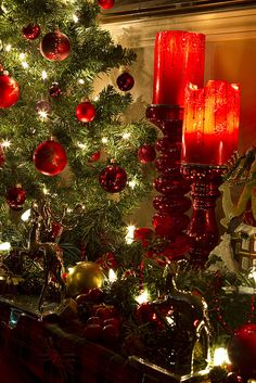 Christmas Decor by CantStopDreaming, via Flickr