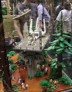 MOC géant illustrant la bataille d'Endor !
