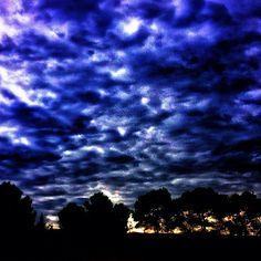 Naciendo el día. #homoinstagramer #igerszgz #igersaragon #igerspain #iglovers #instapic #ig_planet #instagramers #igersoftheday #igersworldwide #autum #artphoto #vintage #city #enfocae #en140instantes #free #live #liberty #miziudad #monochrome #zaragoza #somosinstagramers #urban #sky #natural #naturaleza