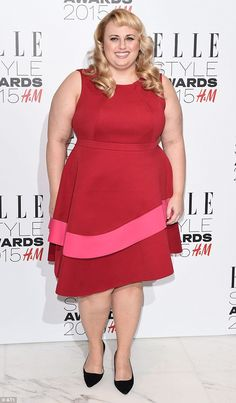 Pitch Perfect's Rebel Wilson wears chic frock at the Elle Style Awards Rebel Wilson Rebel Fashion, Big Girl Fashion, Curvy Fashion, Plus Size Fashion, Plus Size Vests, Elle Style Awards, Celebrity Singers, Rebel Wilson, Pitch Perfect