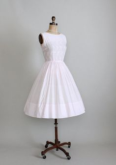 <3 Vintage early 1960s embroidered cotton party dress.