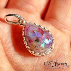 breast milk and sparkles pendant; breastmilk jewelry; breast milk jewelry; keepsake jewelry;https://www.lifesjourneyjewelrycreations.com/