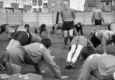 Bill Shankly with his team Liverpool, Emlyn Hughes can be seen behind him. Bill Shankly is considered to be one of the greatest football managers of all time. He started his footballing career in. Retro Football, Vintage Football, Football Soccer, Gerrard Liverpool, Liverpool Fc, Emlyn Hughes, Bill Shankly, Carlisle United, Liverpool History