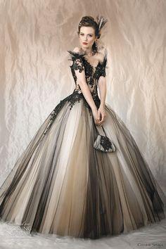 白と黒のチュール使いと黒のレースが美しさを引き立てる♡モノトーンのウェディングドレス・花嫁衣装参考まとめ♪