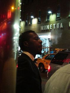 Roy Hargrove in front of Blue Note