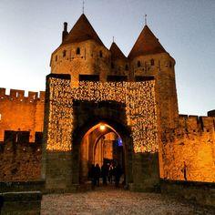 A little bit of Christmas at Cité de Carcassonne :) #upsticksandgo #Christmas #medieval #history #carcassonne #france #travel #travelgram #travelphotos #travellingtheworld #michfrost