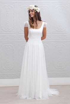 """Unsurprisingly Marie Laporte enchants us with the dress """"Georgia"""" of her collection Bridal Dresses, Wedding Gowns, Wedding Robe, Marie Laporte, Dream Wedding, Wedding Day, Elegant Wedding, Wedding Styles, White Dress"""