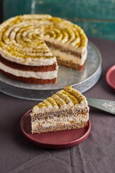 Citromos máktorta lemon curddel | Street Kitchen Lemon Recipes, Sweet Recipes, Cake Recipes, Delicious Desserts, Yummy Food, Torte Cake, Hungarian Recipes, Cakes And More, No Bake Cake