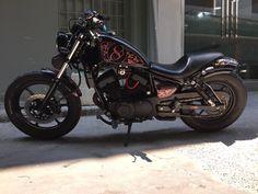 . Honda Bobber, Yamaha Virago, Bobber Bikes, Bobber Chopper, Vintage Motorcycles, Custom Motorcycles, Cars And Motorcycles, Brat Cafe, Fat Bike