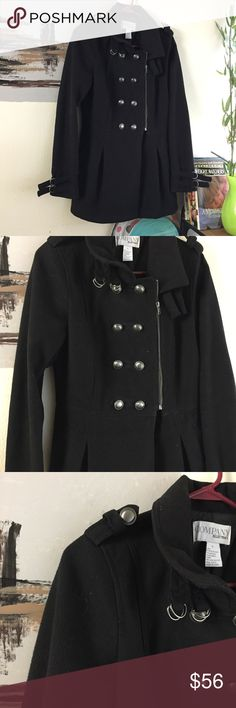 Ellen Tracy black women peacock coat size small Previously own and loved. Super stylish. Size is small. Only reason selling is that it got tight on me. Ask if have any question. Ellen Tracy Jackets & Coats Pea Coats