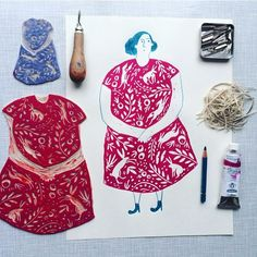 Made the lino lady a bit bigger (dont let her hear it..) and gonna make some prints on dishcloths. Wouldn't mind the dishes with her helping me #illustration #illustrator #makersmovement #creativpaper #lino #linocut #handmade #handcrafted #picame #illustrationart by sowiesowies