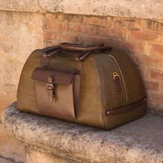 Handcrafted Custom Made Luxury Travel Duffel in Dark Brown Painted Calf and Olive Painted Full Grain Leather From Robert August. Create your own custom designed shoes. Luxury Handbags, Fashion Handbags, Purses And Handbags, Cheap Handbags, Travel Handbags, Coin Purses, Luxury Bags, Leather Luggage, Leather Handbags