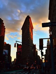New York. Sunset over Flatiron Building
