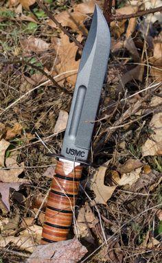 Ka-Bar Full-size US Marine Corps fighting knife Ka Bar Knives, Cool Knives, Knives And Tools, Knives And Swords, Military Knives, Combat Knives, Military Life, Cloak And Dagger, Bushcraft Knives