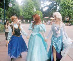 anna frozen ariel the little mermaid elsa frozen Disneyland Face Characters, Disney World Characters, Disney Magic, Disney Frozen, Disney Art, Walt Disney, Disney Princesses And Princes, Princess Collection, Ariel The Little Mermaid