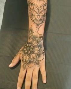 Tätowierungen für Frauen – foot tattoos for women Henna Tattoos, Sexy Tattoos, Diy Tattoo, Foot Tattoos, Girl Tattoos, Sleeve Tattoos, Tattoo Maori, Tattoo Designs, Tattoo Prices