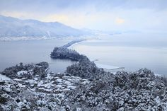 天橋立 (Amano Hashidate) 雪景色の天橋立 飛龍観 【絶景NIPPON】 - OVO #写真 #photos