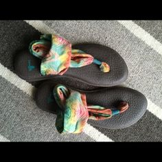 SanukYoga Sling in sunshine colors! These sandals are comfy. They are slightly worn, but hip and cool!  Sanuk Shoes Sandals