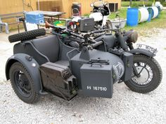 RAL 7021 sample Bmw Motorcycles, Vintage Motorcycles, Ural Motorcycle, German Soldiers Ww2, Military Photos, Old Bikes, Vintage Bikes, Armored Vehicles, Military Vehicles