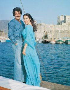 Türkan Şoray, Kadir İnanır Turkish Hijab Style, Celebrity Stars, Star Wars, Sophia Loren, Bridesmaid Dresses, Wedding Dresses, Celebs, Celebrities, Best Couple