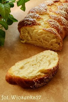 Challah buttermilk | Taste explosion My Favorite Food, Favorite Recipes, Baking Recipes, Cake Recipes, Bread And Pastries, I Love Food, No Bake Cake, Scones, Sweet Recipes
